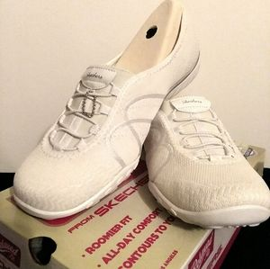 Skechers Relaxed Fit Size 11